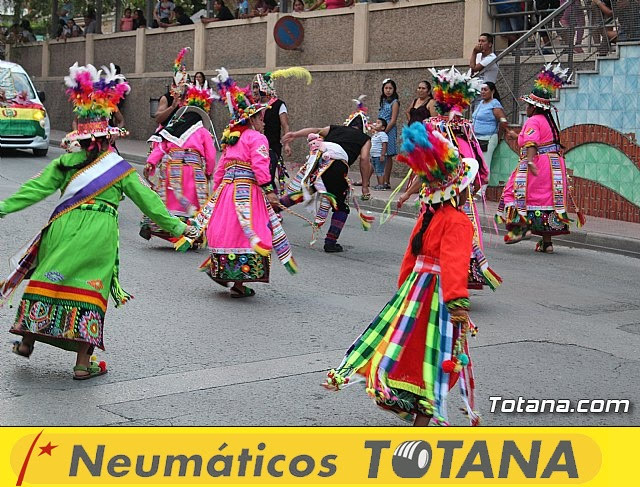 Desfile de baile. Fiestas en honor a la Virgen de la Urkupiña (Bolivia) - 16