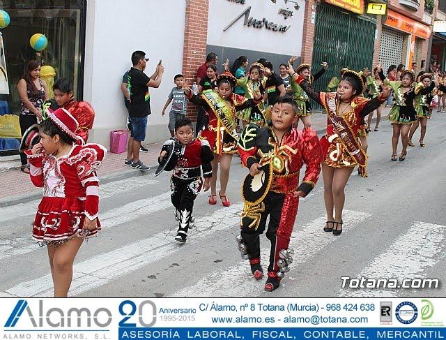 Desfile de baile. Fiestas en honor a la Virgen de la Urkupiña (Bolivia) - 33