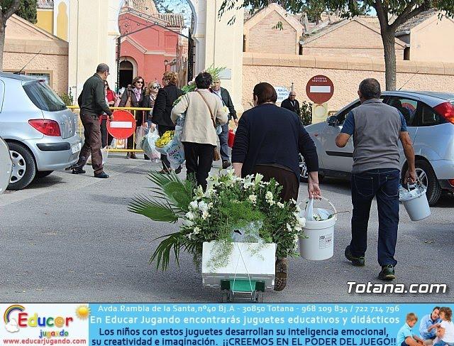 Cementerio. Día previo a la festividad de Todos los Santos 2018 - 13