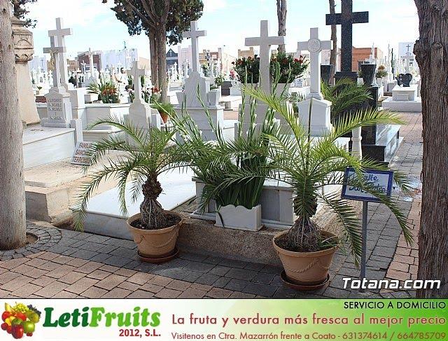 Cementerio. Día previo a la festividad de Todos los Santos 2018 - 16
