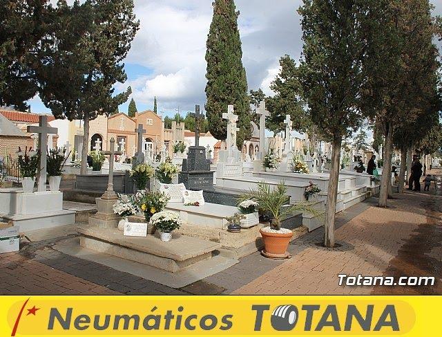 Cementerio. Día previo a la festividad de Todos los Santos 2018 - 23