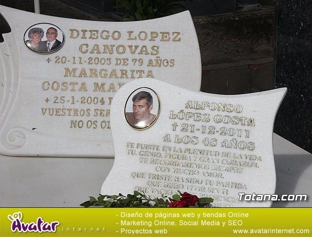 Cementerio. Día previo a la festividad de Todos los Santos 2018 - 24