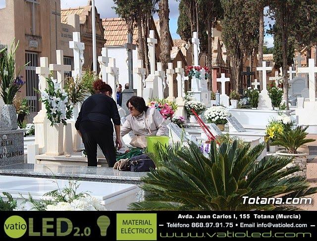 Cementerio. Día previo a la festividad de Todos los Santos 2018 - 26