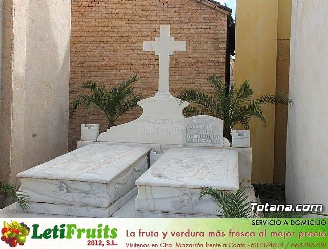 Cementerio. Día previo a la festividad de Todos los Santos 2018 - 28