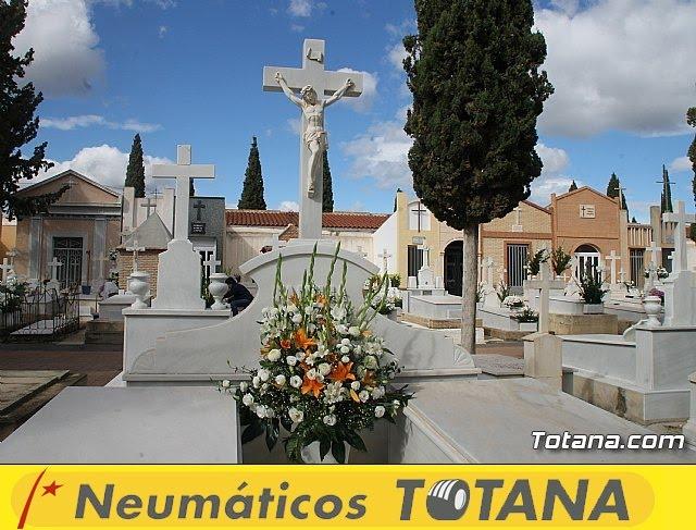 Cementerio. Día previo a la festividad de Todos los Santos 2018 - 29