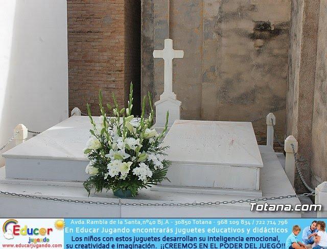 Cementerio. Día previo a la festividad de Todos los Santos 2018 - 30